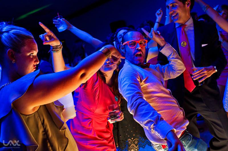 Fotógrafo Víctor Lax. Fiestas en bodas. Boda en Iruña