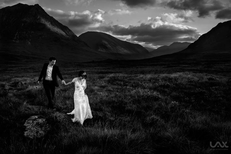 Glasgow wedding photographer, Scottish wedding, Glasgow wedding, Edinburgh wedding, Traquair Centre Edinburgh, Edinburgh wedding photographer, Spain wedding photographer, wedding photo, Jenny Packham, Víctor Lax,wedding dress